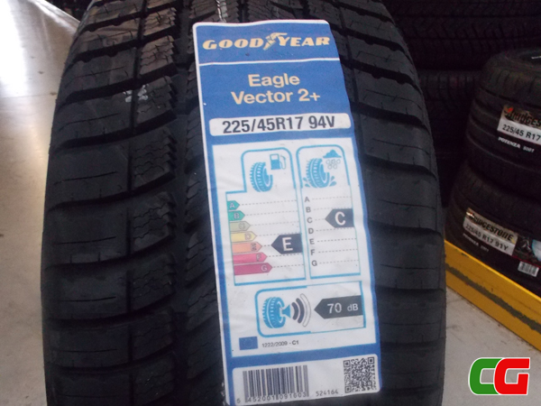 Scopri gli pneumatici Goodyear Vector 4 Seasons: grande risparmio per tutte le stagioni
